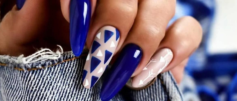 Кращі дизайнерські ідеї манікюру для довгих нігтів 2021-2022