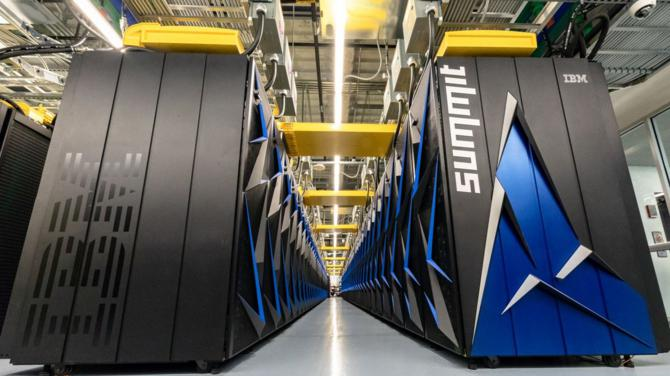 суперкомп'ютер