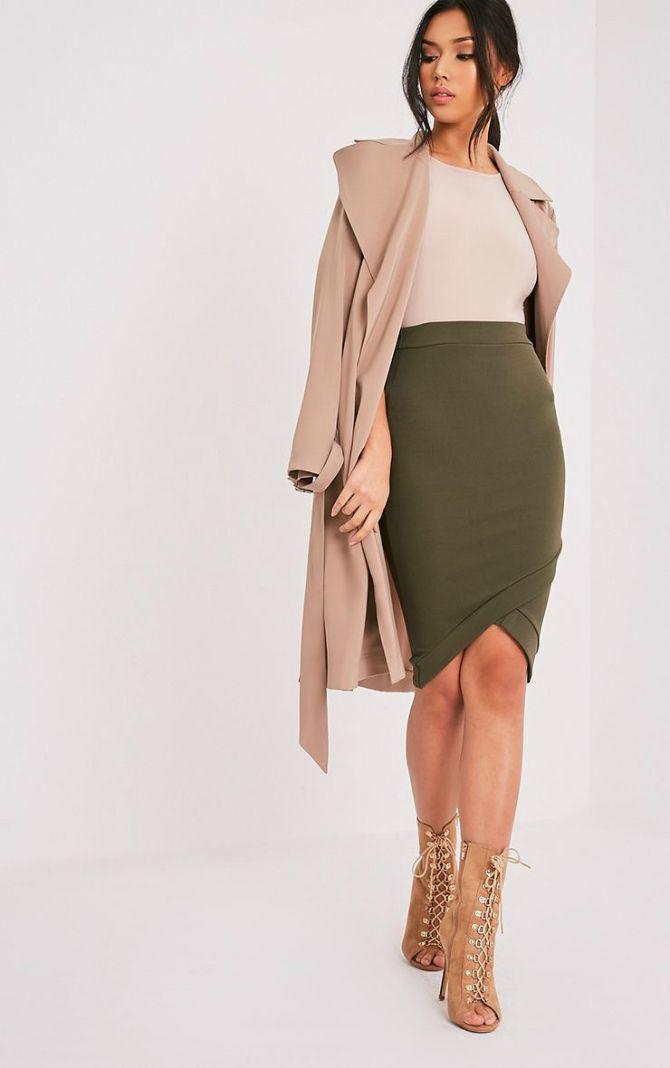 Мини-юбки с асимметричным подолом