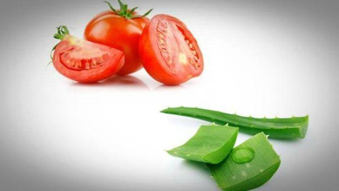 Рецепт маски для лица от прыщей с алоэ и томатным соком