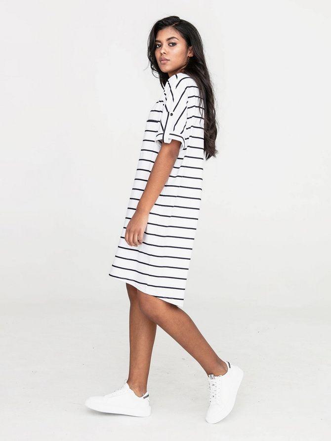 Платье с горизонтальной полоской