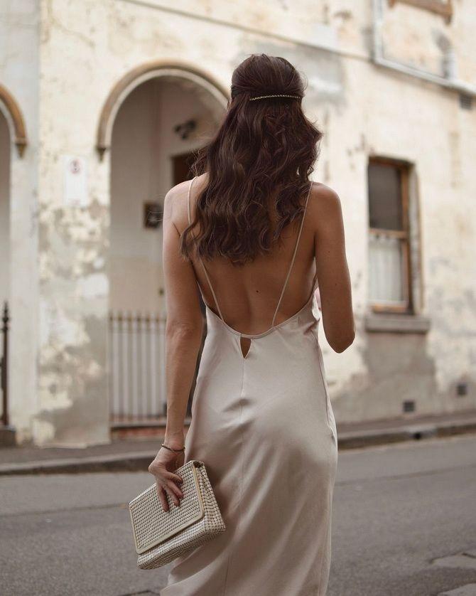 сукня з вирізом на спині