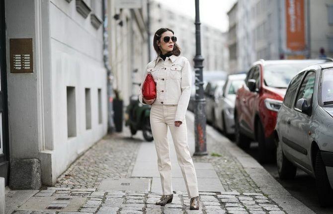белая джинсовая куртка