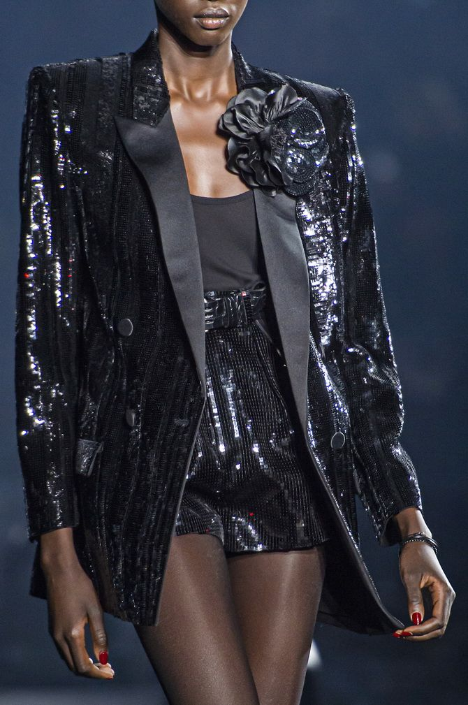 Модная брошь 2020