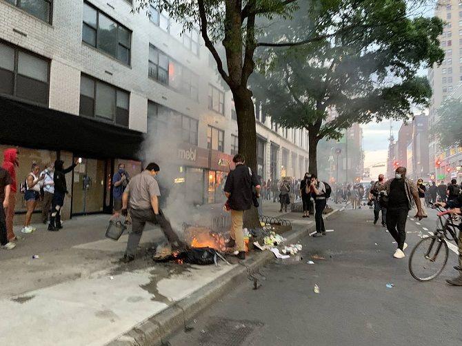 мирные протесты нью-йорк