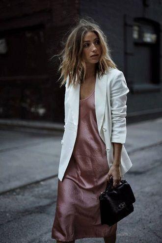 Универсальное платье в бельевом стиле: создаем ультрамодные образы на каждый день 28