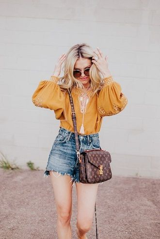 Denim shorts in 2020-2021: look stylish and trendy 42