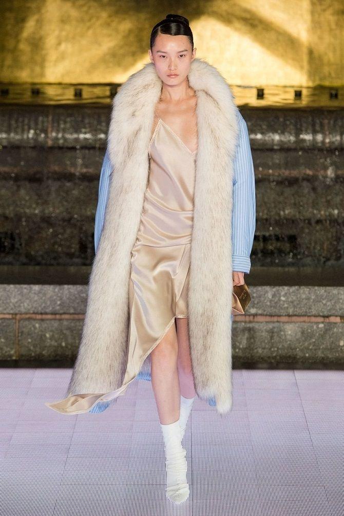 Универсальное платье в бельевом стиле: создаем ультрамодные образы на каждый день 16