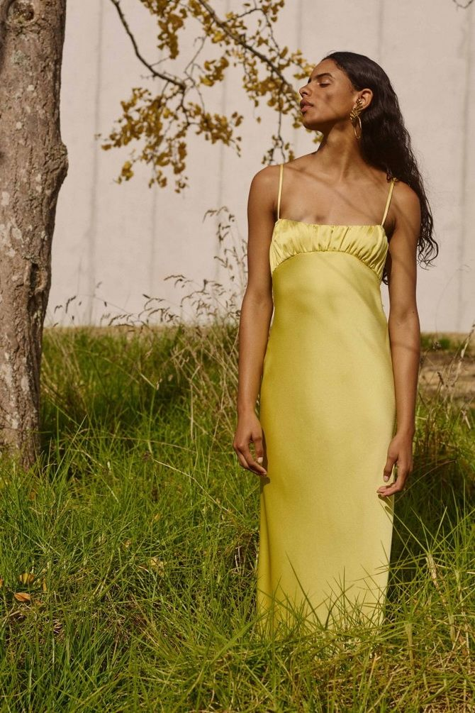 Атласное платье-слип