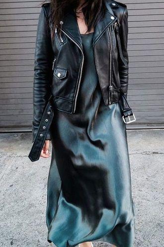 атласное платье с косухой