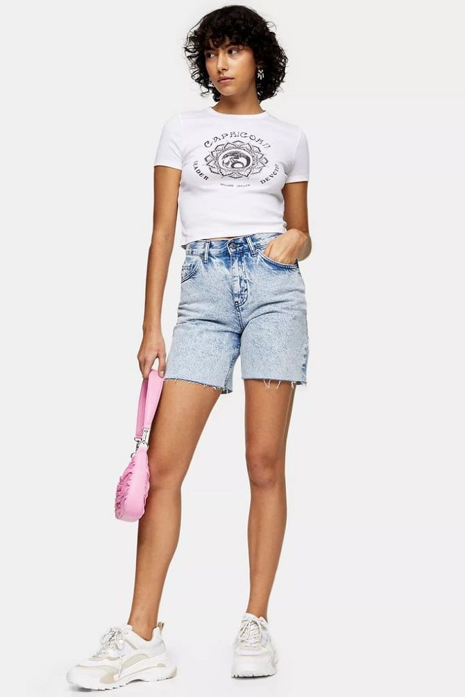 Denim shorts in 2020-2021: look stylish and trendy 9