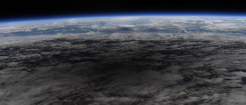 Величезна тінь. У NASA показали, як виглядає сонячне затемнення з космосу