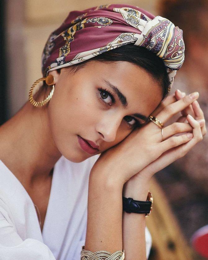 Модный тренд лета 2021: завязываем платок на голове 22