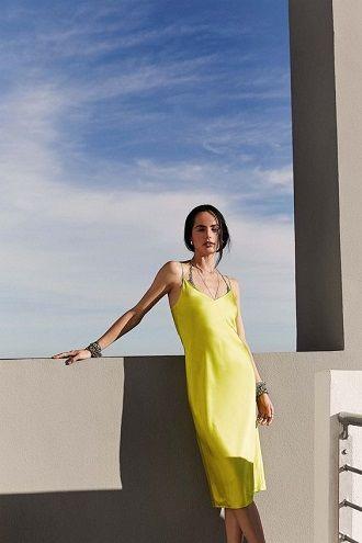 Универсальное платье в бельевом стиле: создаем ультрамодные образы на каждый день 6