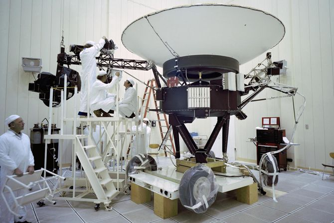 Послання іншопланетянам, або що відправили вчені в капсулі часу на борту «Вояджер»? 1