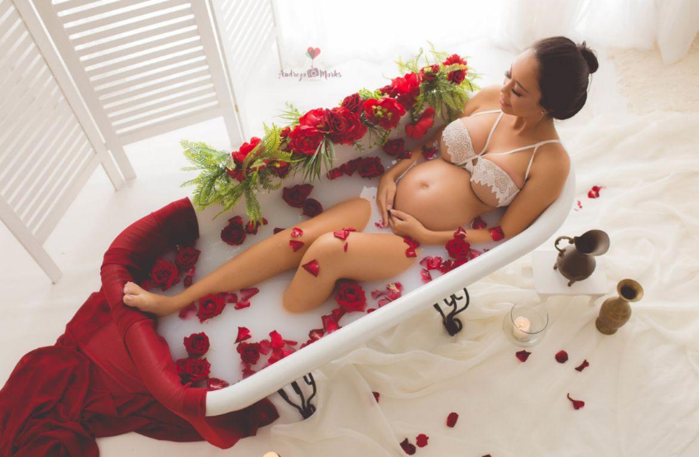 вагітна у ванній