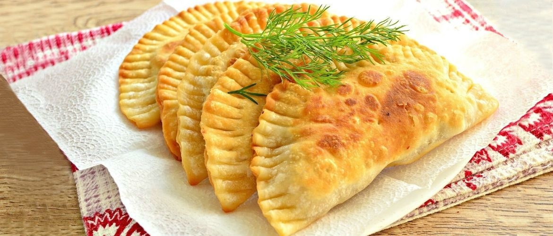 Хрусткі чебуреки: рецепти найсмачнішого тіста та начинок