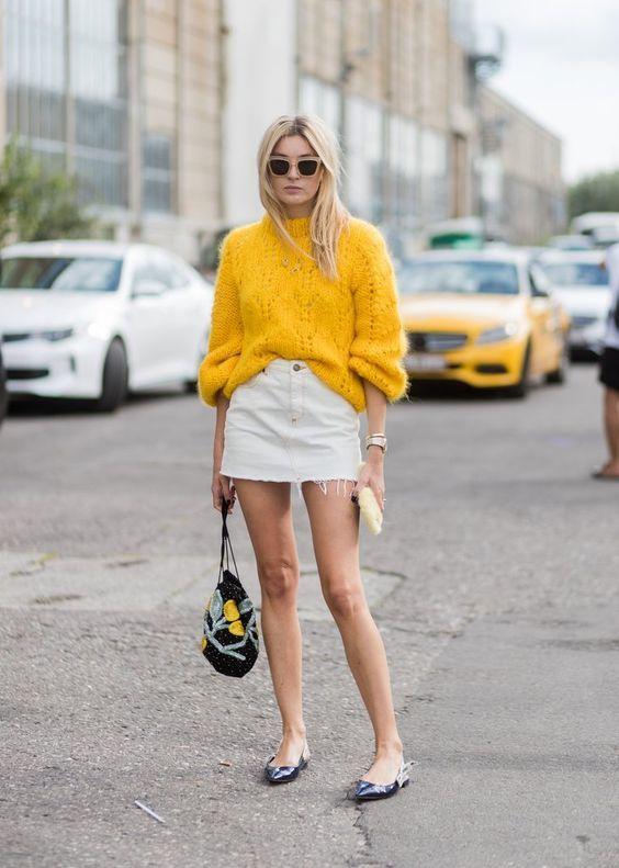 С чем носить короткую юбку: модные образы 2021-2022 16