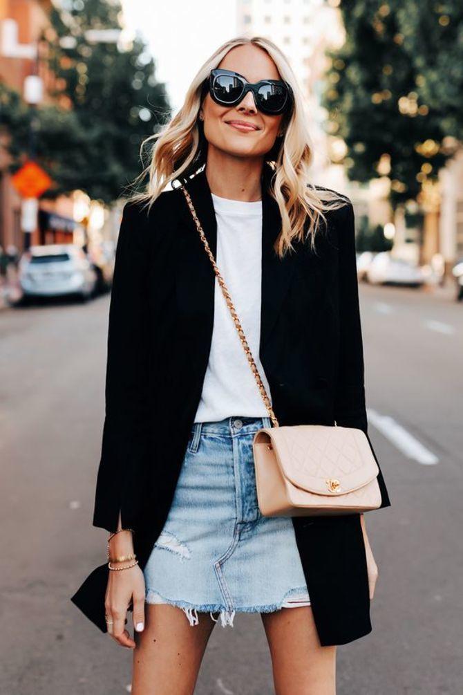С чем носить короткую юбку: модные образы 2021-2022 6