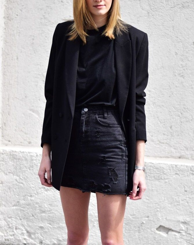 С чем носить короткую юбку: модные образы 2021-2022 8