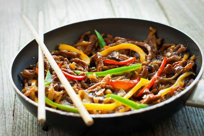 Китайська яловичина та перець у соусі з чорної квасолі