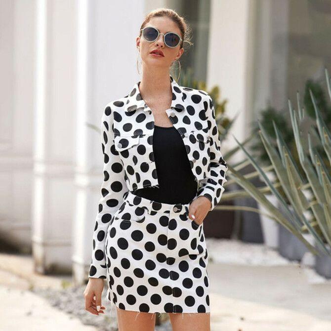 С чем носить короткую юбку: модные образы 2021-2022 71