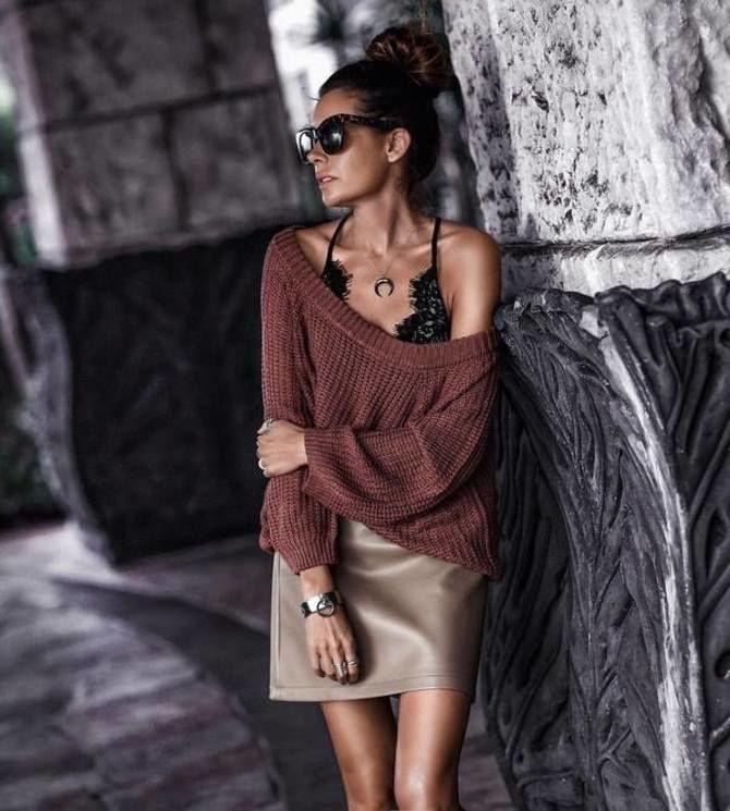 С чем носить короткую юбку: модные образы 2021-2022 30