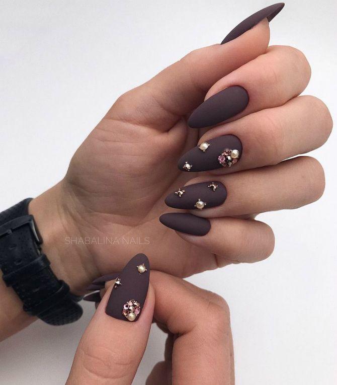 50+ ідей дизайну мигдалеподібних нігтів 19