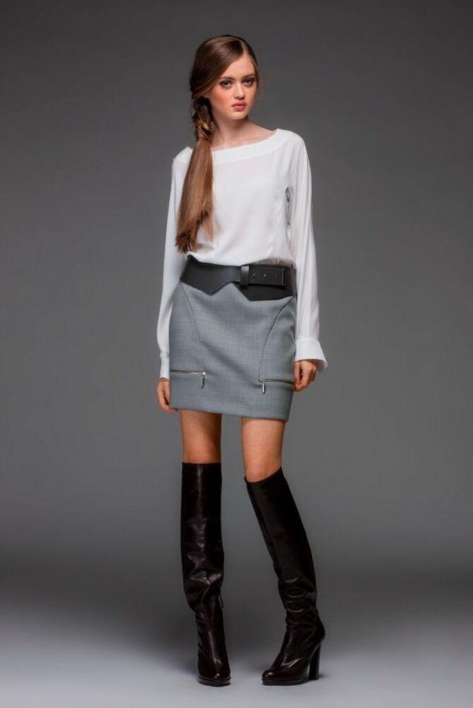 С чем носить короткую юбку: модные образы 2021-2022 54