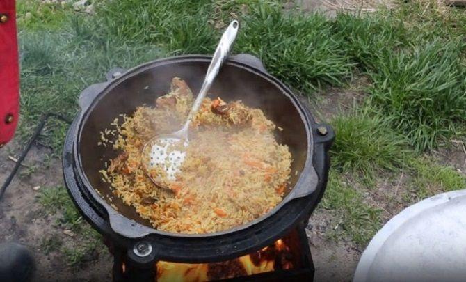 Аппетитный и рассыпчатый плов: приготовление блюда в казане, сковородке, мультиварке 1