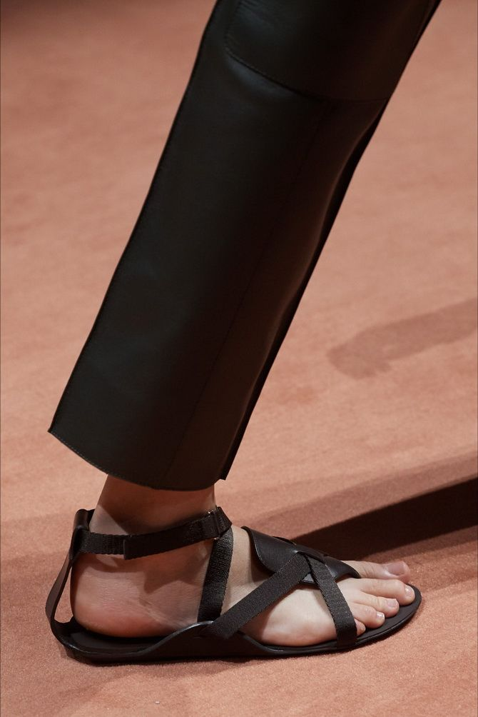 6 моделей сандалій, які прикрасять ваше літо 2020 10