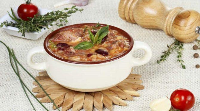 Гордость грузинской кухни: питательный суп харчо из разных видов мяса 1