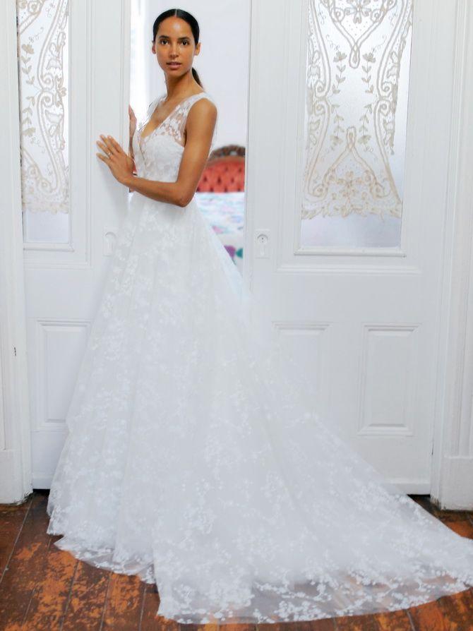 Кружевные  свадебные платья 2021