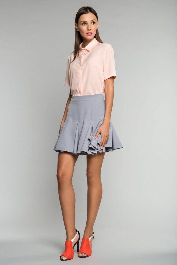 Модные мини-юбки с оборками 2021-2022 15