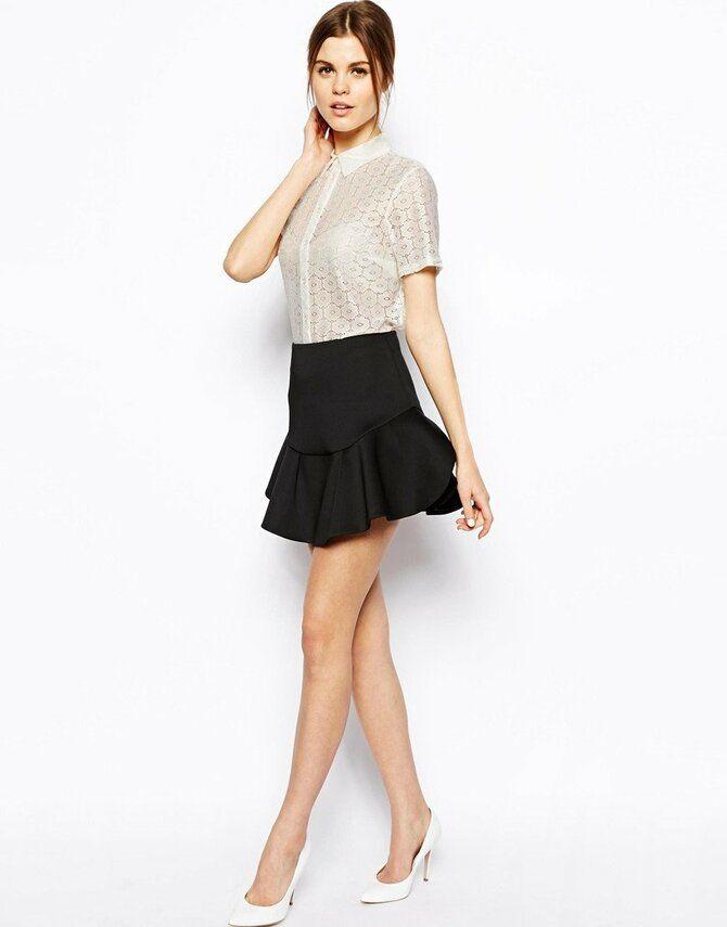 Модные мини-юбки с оборками 2021-2022 16