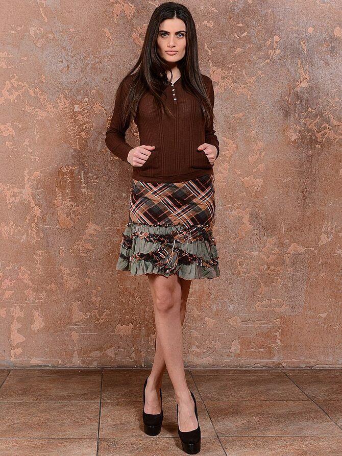 Модные мини-юбки с оборками 2021-2022 19