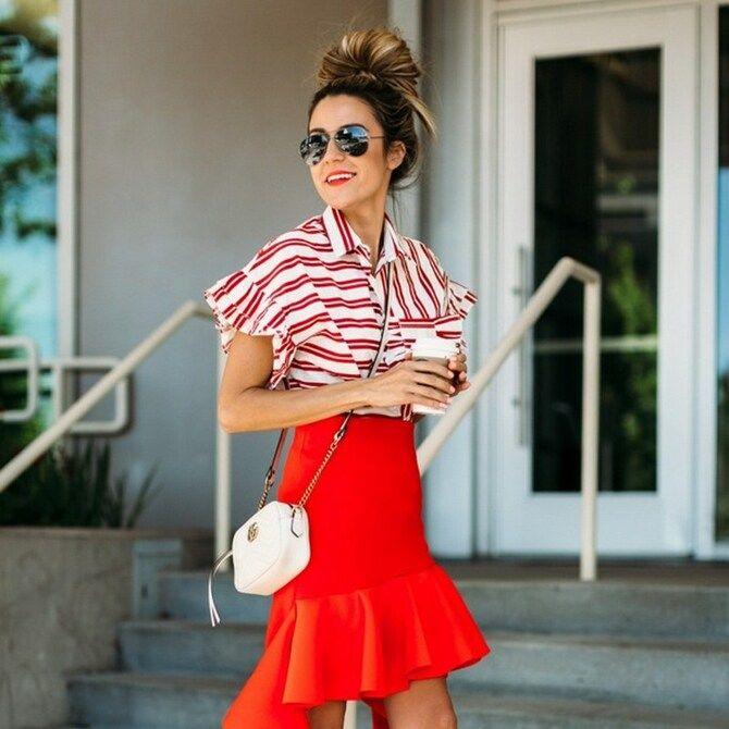 Модные мини-юбки с оборками 2021-2022 20