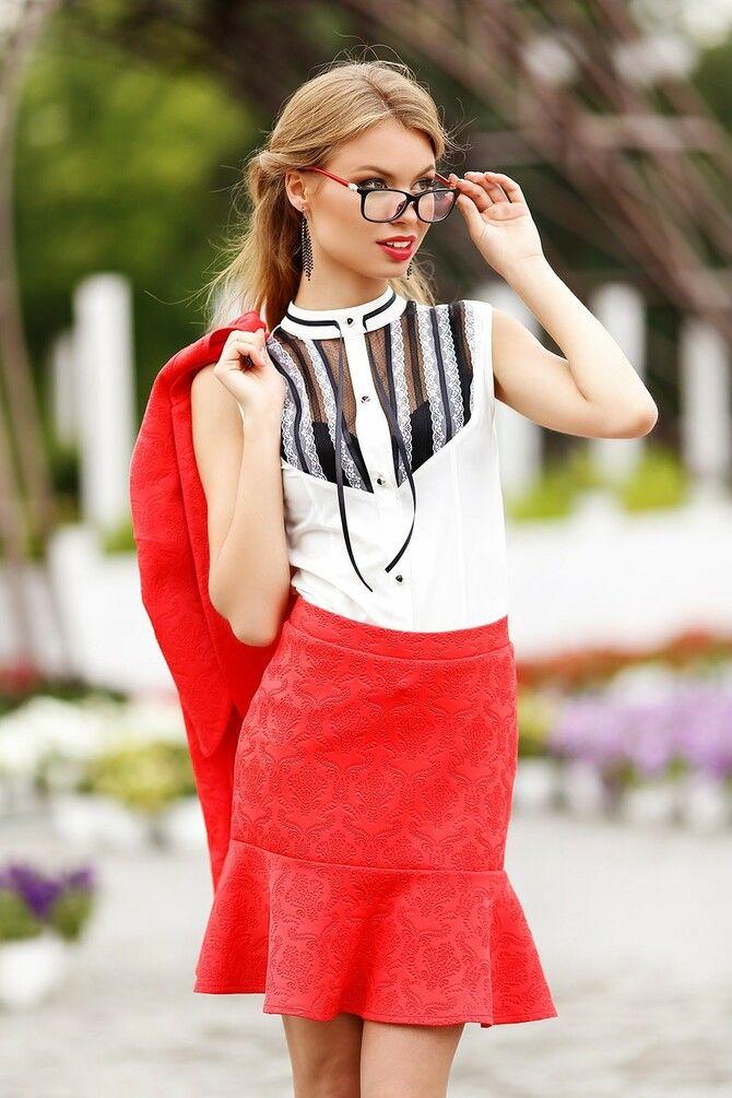 Модные мини-юбки с оборками 2021-2022 23