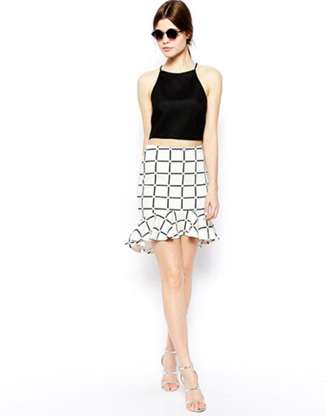 Модные мини-юбки с оборками 2021-2022 26