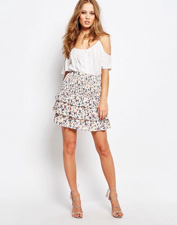 Модные мини-юбки с оборками 2020-2021 29