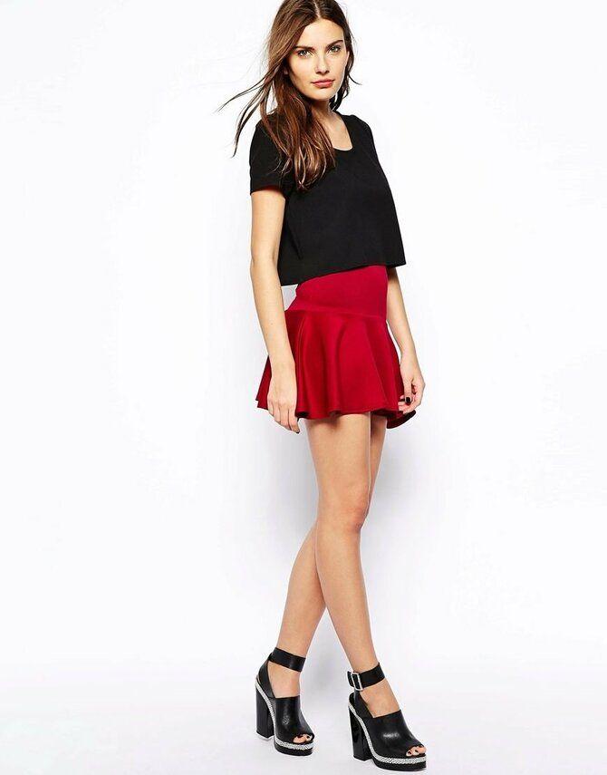 Модные мини-юбки с оборками 2021-2022 30
