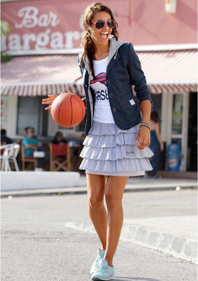 Модные мини-юбки с оборками 2020-2021 32