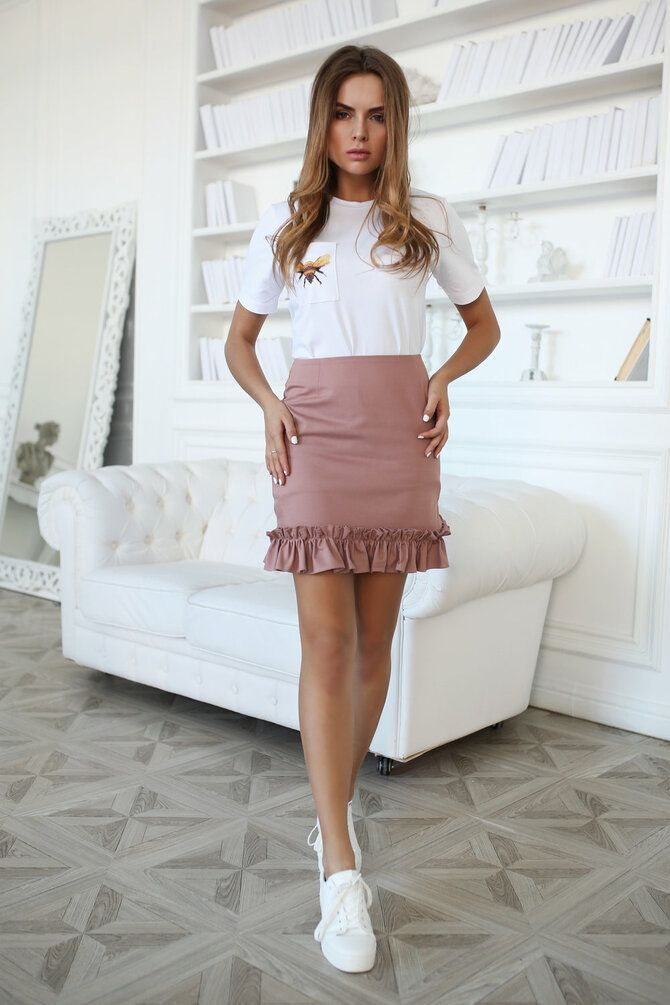Модные мини-юбки с оборками 2021-2022 33