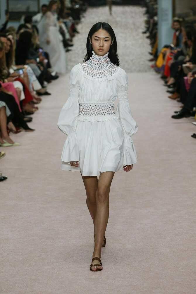 Модные мини-юбки с оборками 2021-2022 34