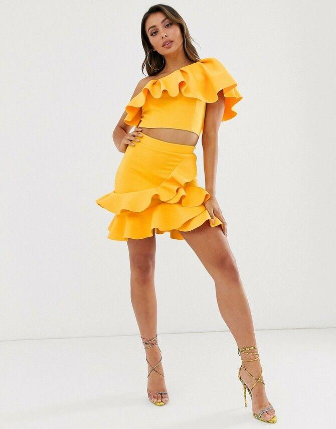 Модные мини-юбки с оборками 2020-2021 35