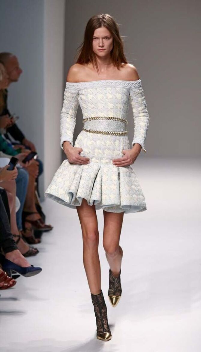 Модные мини-юбки с оборками 2021-2022 6