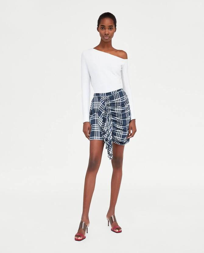 Модные мини-юбки с оборками 2021-2022 7