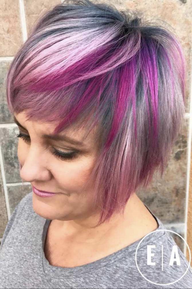 покрашенные яркими цветами волосы