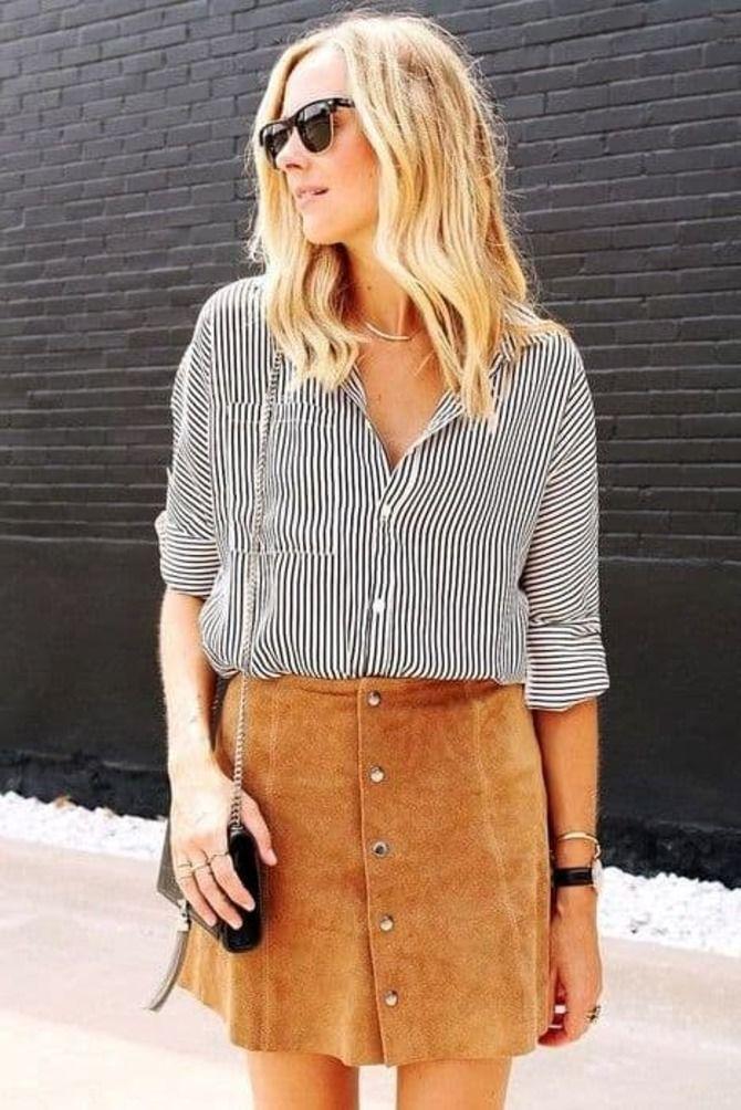 С чем носить короткую юбку: модные образы 2021-2022 64