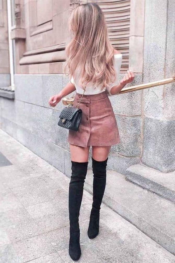 С чем носить короткую юбку: модные образы 2021-2022 66